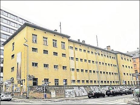 Heruntergekommenes Baudenkmal: das ehemalige Polizeigefängnis in der Klapperfeldstraße. (Fotos: Weis)